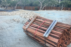 Redwood Split Grape Stakes with points